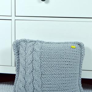 Poszewka na poduszkę szara z warkoczem, poduszka