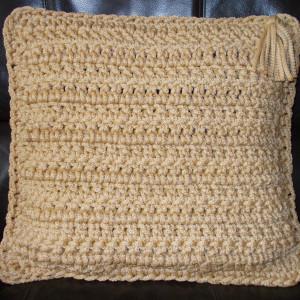 Poszewka na poduszkę ze sznurka