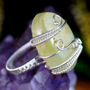 Prehnit srebrny pierścionek z prehnitem rozmiar 17