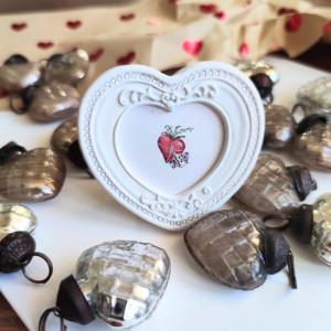 Prezent na Walentynki, małe serce ręcznie malowane