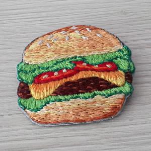 Przypinka hamburger