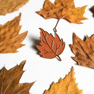 Przypinka Jesienna Rudy Liść Ręcznie malowana