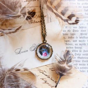 Ptak w koronie, ręcznie malowany naszyjnik mini