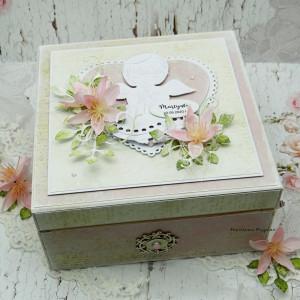 Pudełko wspomnień na Chrzest Św. z przegródkami