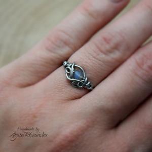 Regulowany pierścionek labradoryt