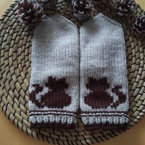 Rękawiczki z haftowanym kotkiem