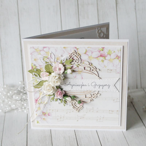 Romantyczna kartka ślubna z motywem nut v.5