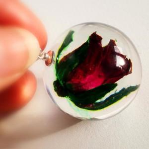 """Róża mini """"na zawsze"""" naszyjnik z żywicy"""