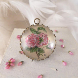 Róże, Ręcznie malowany naszyjnik, akwarela
