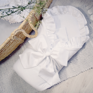 Rożek Becik Niemowlęcy Biały z Falbanką Chrzest