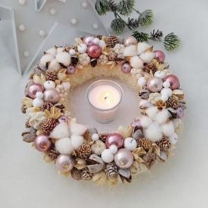 Różowy - wianek świąteczny