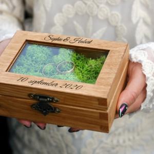 Rustykalne pudełko na obrączki ślubne