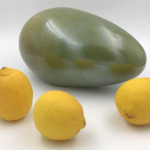 Satynowe zielone jajo wielkanocne