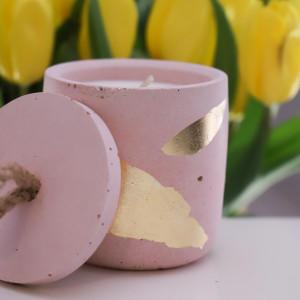 Sojowa świeca zapachowa od More Form Gold