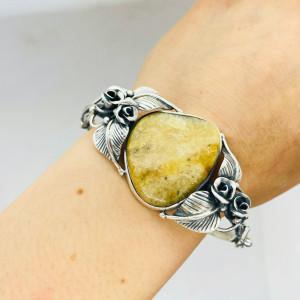 Srebrna bransoleta z jasnym bursztynem bałtyckim