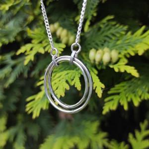 Srebrny naszyjnik z podwójną okrągłą zawieszką