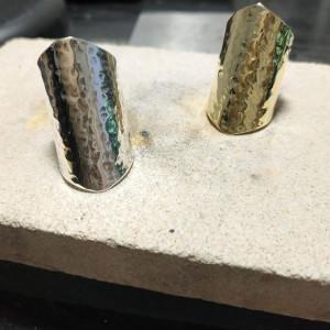 Srebrny pierścionek młotkowany