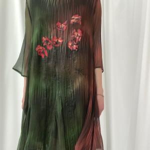 Sukienka z jedwabiu kreszowanego, ręcznie malowana