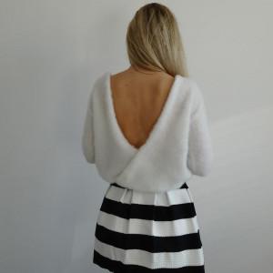 Sweterek z dekoltem IVORY  /XS - XL/