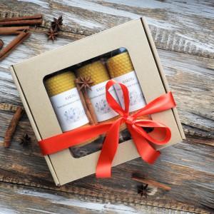 Świąteczny zestaw prezentowy ze świecami
