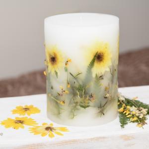 Świeca z kwiatami żółta margaretka