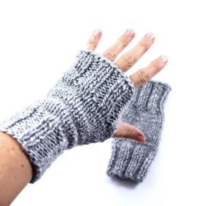 Szare rękawiczki mitenki na drutach unisex