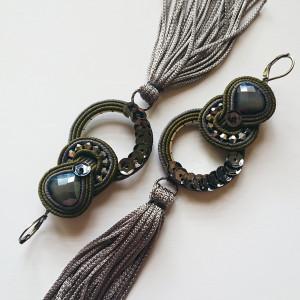 Szaro-oliwkowe kolczyki z chwostami