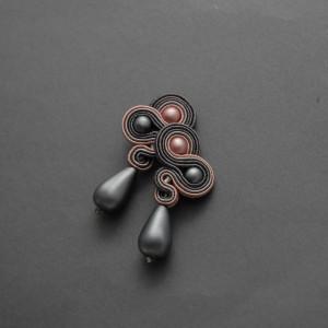 szaro-różowe kolczyki lub klipsy sutasz 4