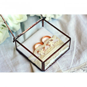 Szkatułka ze szkła na obrączki ślubne