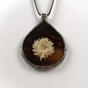 Szklany medalion z kwiatem koniczyny (brązowy)