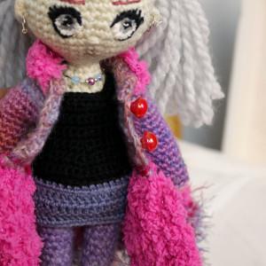 Szydełkowa lalka AMELIA