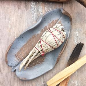 Talerzyk ceramiczny, liść (c 210)