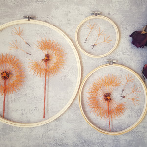 Tamborki, haft na tiulu- pomarańczowe dmuchawce