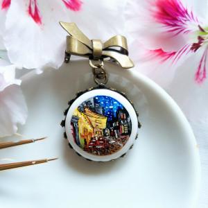 Taras kawiarni nocą , van Gogh, porcelana broszka