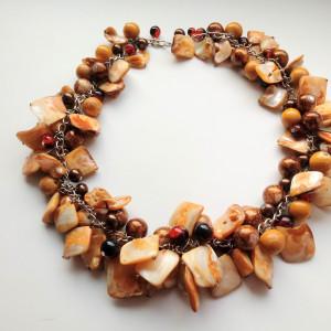 Toffi - Naszyjnik z listków masy perłowej i szkła