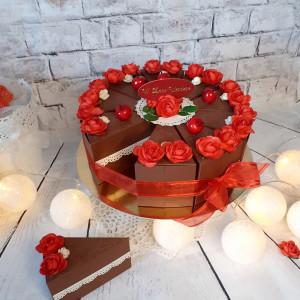 """Tort """"czekoladowy"""" papierowy na słodycze"""