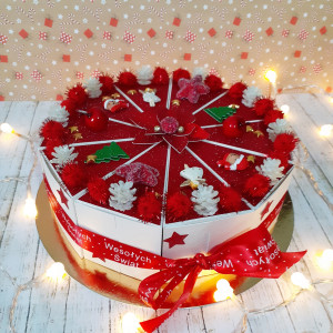 Tort papierowy świąteczny