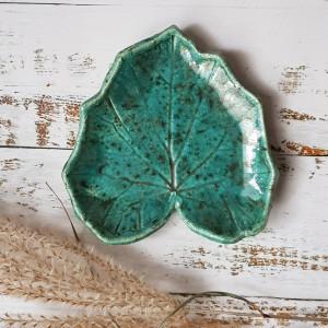 Turkusowo-zielony liść