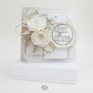 W Dniu Ślubu,  w pudełku