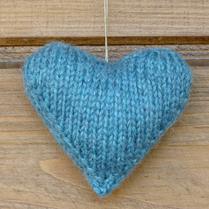 Wełniane Serce w Kolorze  Niebieskim