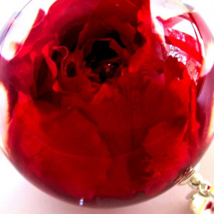 """Wisiorek czerwona róża """"na zawsze"""""""
