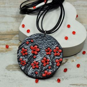 """Wisiorek """"czerwone kwiaty"""""""