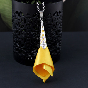 Wisiorek Silk Ażurowy Długi Żółty