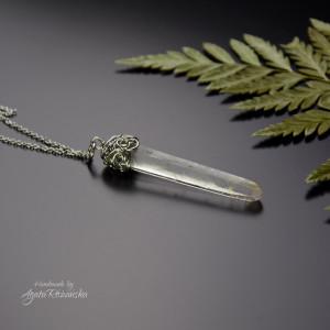 Wisiorek talizman długi surowy kryształ górski