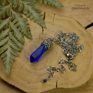 Wisiorek talizman niebieski kryształ górski