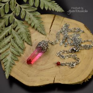 Wisiorek talizman różowo czerwony kryształ górski