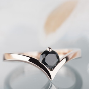 ZAREZERWOWANE pierścionek z czarnym diamentem