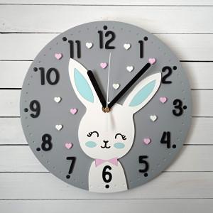 Zegar dla dziewczynki szary z króliczkiem
