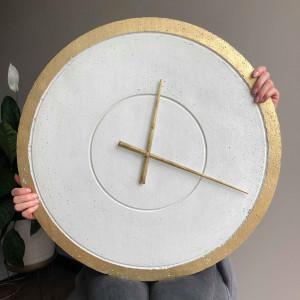 Zegar ścienny betonowy biały beton złoto 60cm