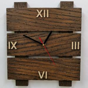 Zegar ścienny drewniany z desek drabinka